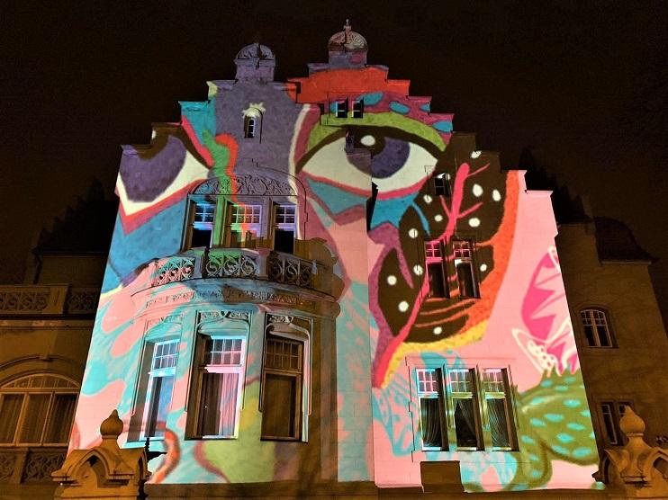 Izgaismota Liepājas muzeja māja