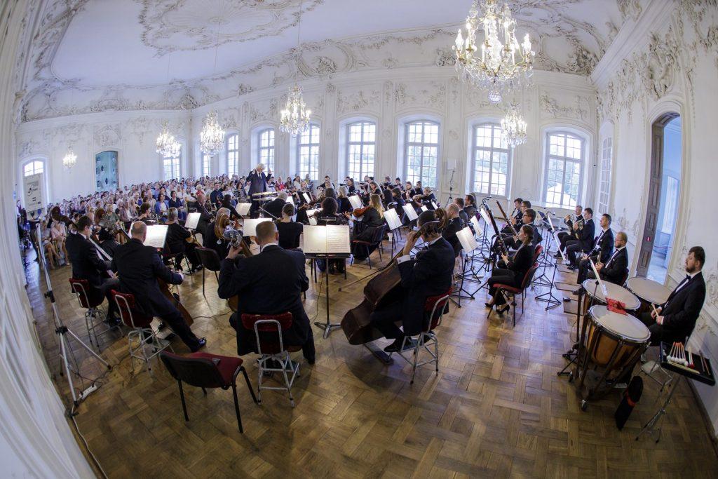 Liepājas simfoniskā orķestra koncerts Rundāles pilī