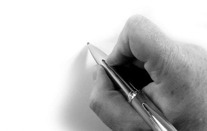 Parakstu likšana